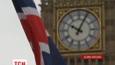 Жінки-депутати вимагають дозволити годувати дітей груддю в залі засідань британського парламенту