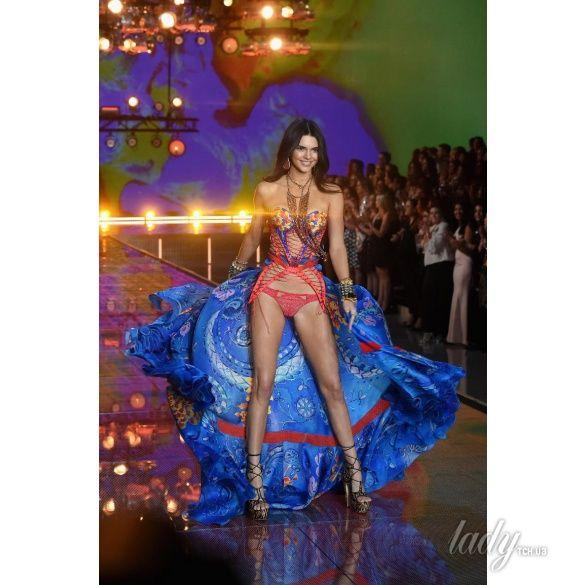 Victoria's Secret Fashion Show-2015_12