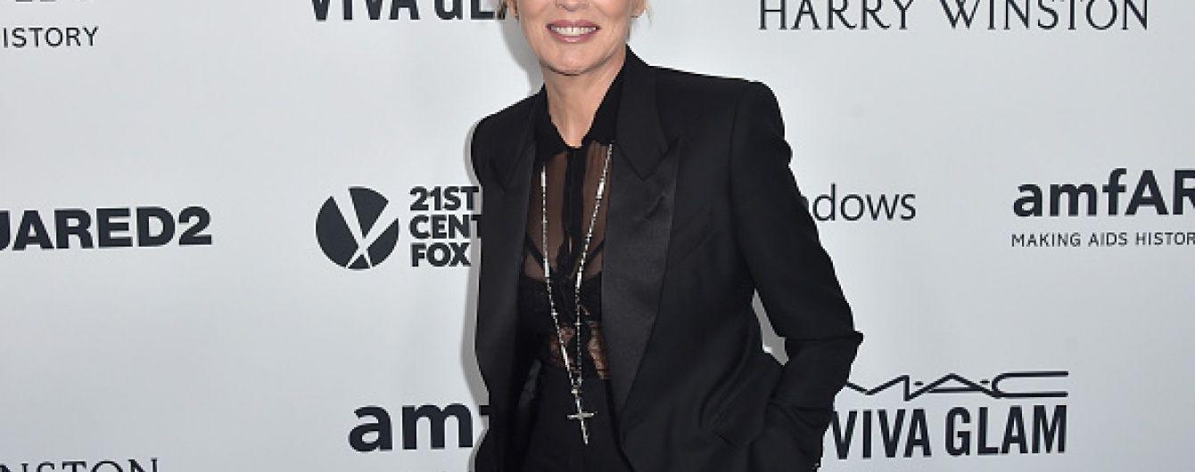 57-річна Шерон Стоун вразила обличчям без макіяжу