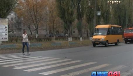 Пешеходный переход возле житомирского учебного заведения превратился в дорогу смерти