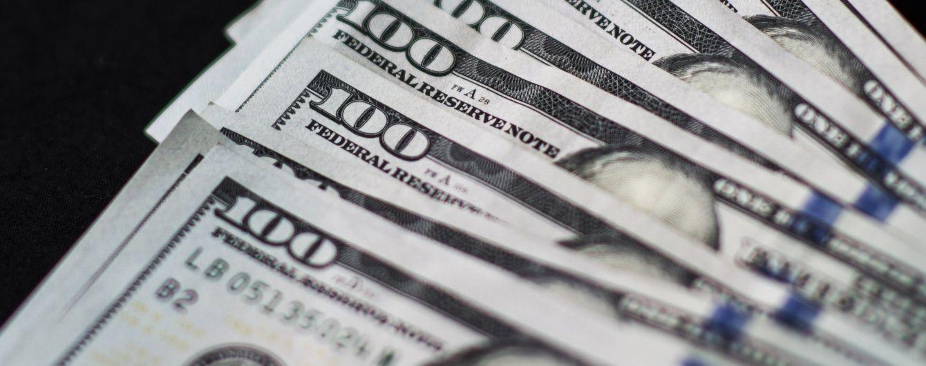Держборг України зріс майже на мільярд доларів