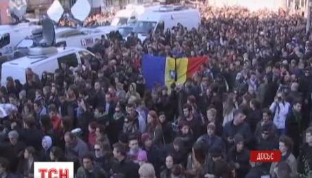Число жертв пожара в ночном клубе в Бухаресте возросло до 53 человек