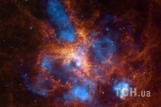 Ученые узнали, что происходит со звездой вблизи сверхмассивной черной дыры