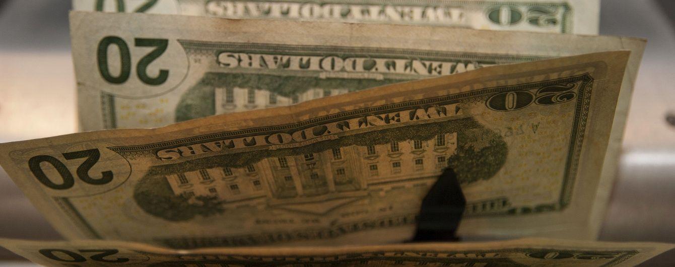 Доллар и евро потеряли в цене в курсах Нацбанка на 5 октября. Инфографика