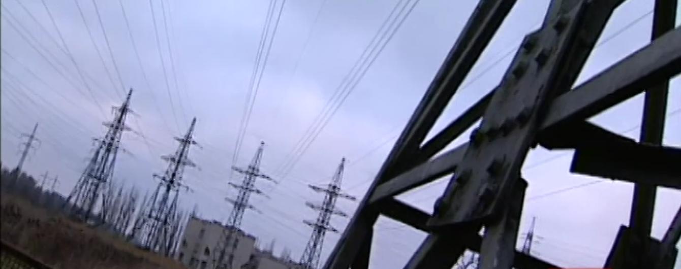 """Влада"" Криму зупинила постачання електрики з РФ ""енергомостом"""