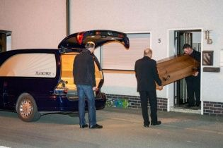 Моторошна знахідка: в одному з будинків німецького містечка знайшли сім дитячих трупів