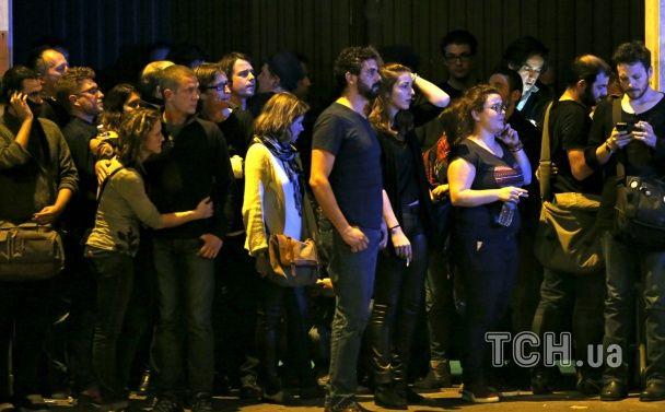 З'явилися моторошні фото з місця масштабного теракту в концертному залі Bataclan у Парижі