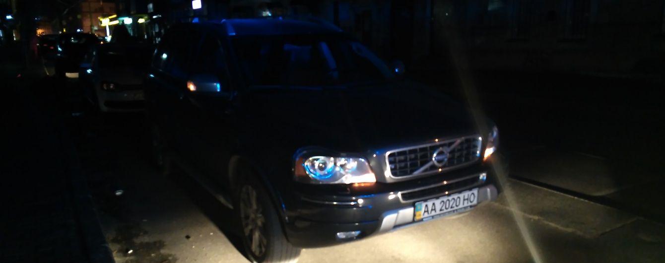 Київські поліцейські відправили на штрафмайданчик авто норовливого майора міліції