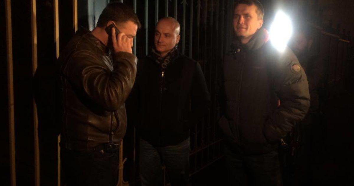 Депутаты собираются дежурить под ЦИК @ Фото Валерии Ковалинской/ТСН