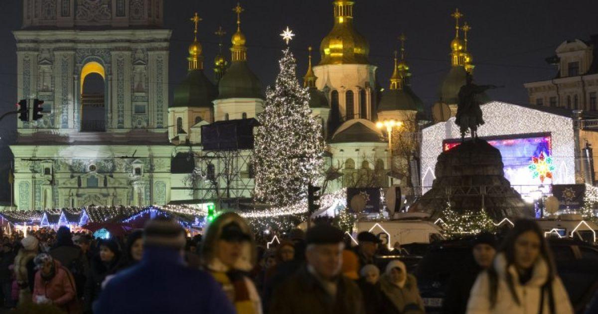 Столичный чиновник требовал полмиллиона от организатора новогоднего праздника