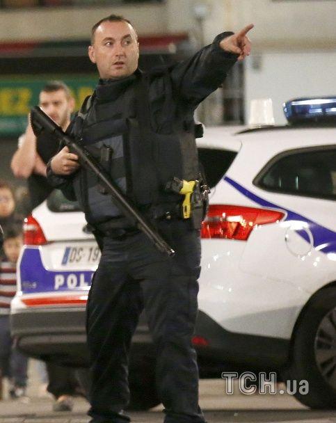 Спецоперація у передмісті Парижа: ліквідовані терористи та поранені поліцейські