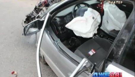 Трое травмированных и сильно разбит Opel в результате аварии в Бердичеве