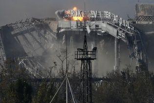 Бойовики ледве не підірвали журналістів ТСН в блокадному Донецькому аеропорту