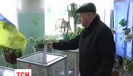 Активисты в Кривом Роге требуют пересчета голосов или перевыборов мэра