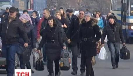 Під загрозою закриття опинився пропускний пункт у Новотроїцькому