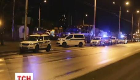 В Литве человек в наручниках отобрал у полицейского автомат