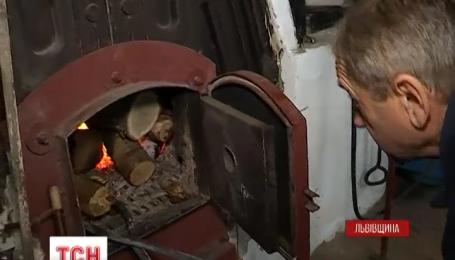 На Львовщине школьные котельные массово переделывают под отопления древесиной