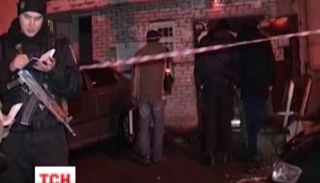 У Києві на Подолі в під'їзді житлового будинку пролунав вибух