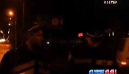 В Хмельницком на перекрестке легковушка протаранила полицейскую машину