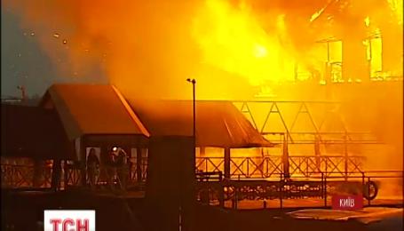 В Киеве сгорел ресторан «Веранда на Днепре»