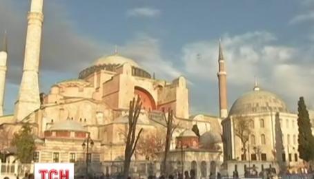 Росія рекомендує своїм громадянам перервати відпочинок у Туреччині