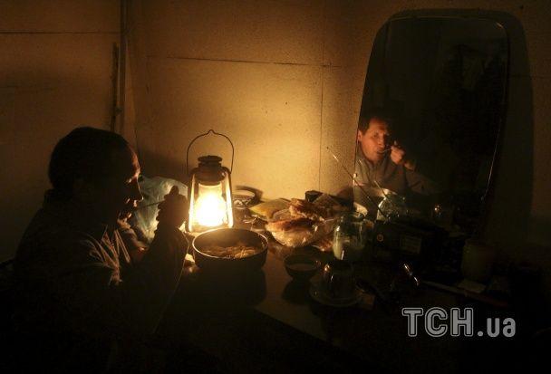 На темному боці. Фотографи показали, як Крим переживає відключення світла