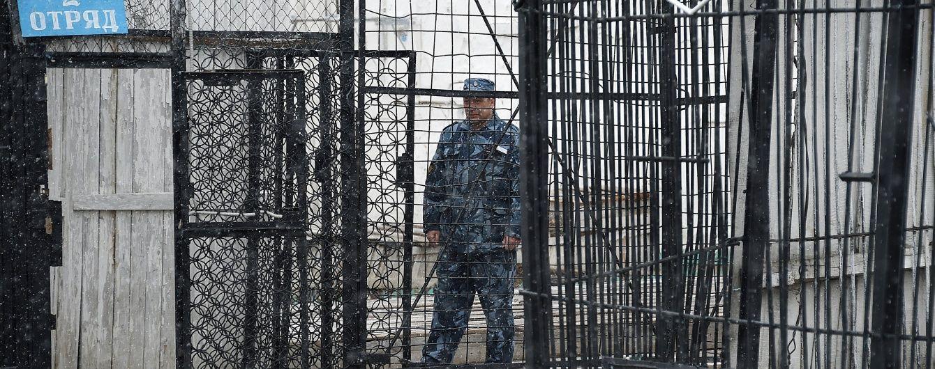 Росія забрала з Криму тисячі в'язнів