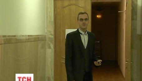 Заступник міністра Стеця понад три години ховався від журналістів