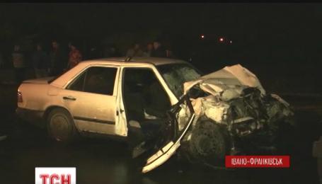 Чотири людини загинули в аварії в Івано-Франківську
