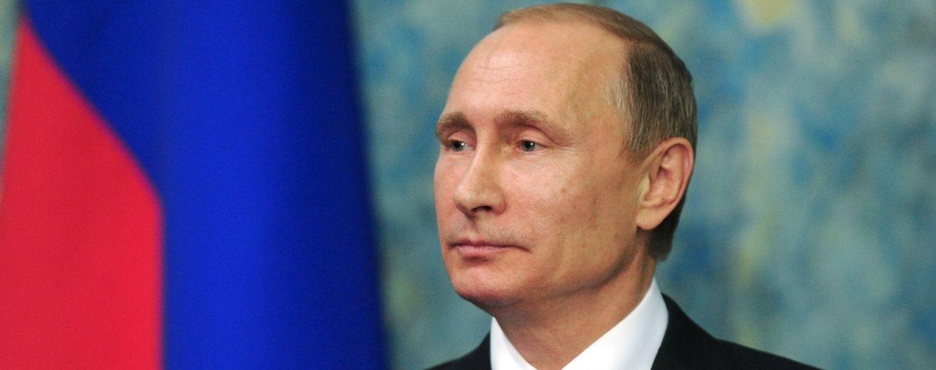 """Путін дав команду запустити другу нитку """"енергомосту"""" в анексований Крим"""