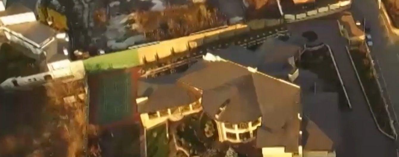 Активісти показали розкішний маєток нардепа Кононенка посеред Києва