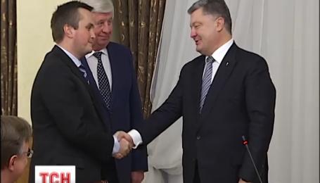 Новопризначений антикорупційний прокурор отримав службове посвідчення