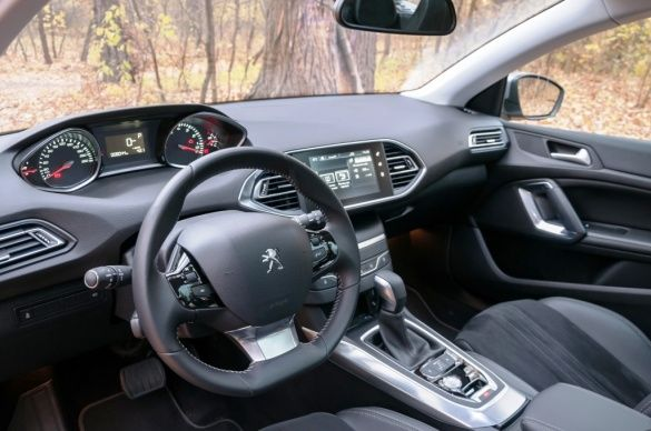 Peugeot 308 SW_16