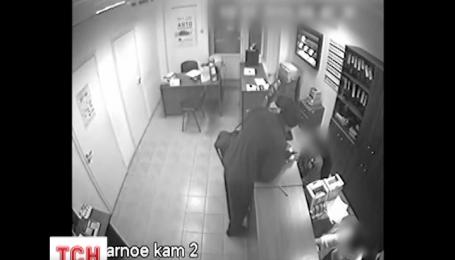 Всего полчаса понадобилось полицейским, чтобы поймать грабителя