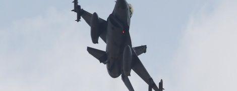 У Туреччині розбився військовий винищувач