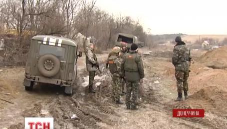 Під Маріуполем на протитанковій міні підірвались 6 військових