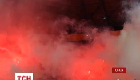 В Харькове из-за задымления арены дважды приостанавливали матч Чемпионата Украины по футболу