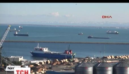 Четыре российских судна задержали в турецком порту
