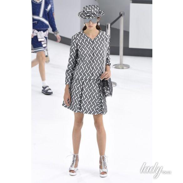 Chanel прет-а-порте сезона весна-лето 2016_39