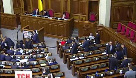 Більше заяв від Януковича росіяни пообіцяли завтра у розлогому інтерв'ю