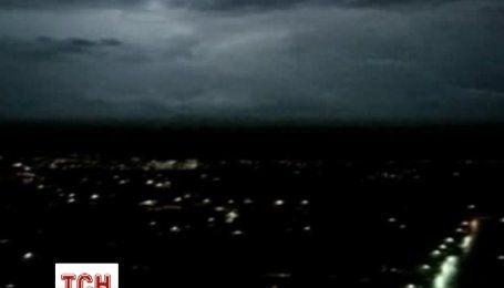 Гигантские молнии пронизывали небо над Австралией