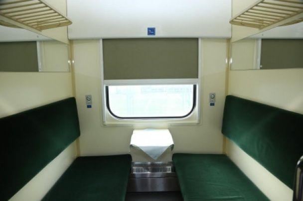 """""""Укрзалізниця"""" показала, як виглядатимуть відремонтовані пасажирські вагони"""