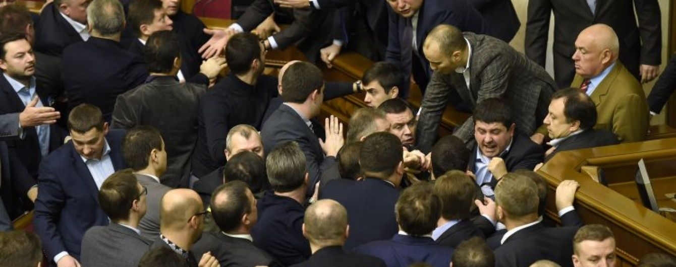 Нардепам можуть підняти зарплату до 25 тисяч гривень
