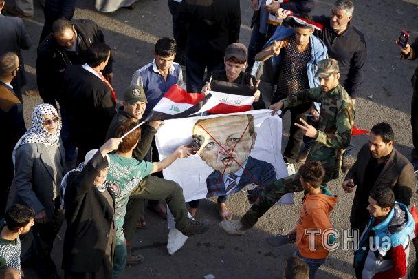 У Багдаді тисячі протестувальників палили турецькі прапори з вимогою вивести війська з Іраку