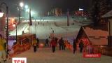 Новорічно-різдвяний ярмарок відкрився на туристичному комплексі «Буковель»