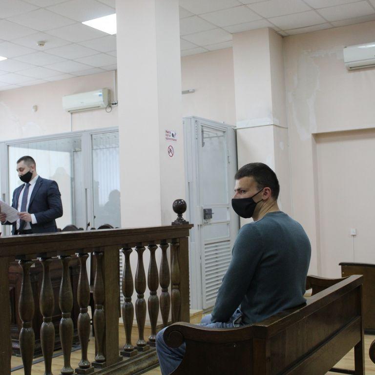 Суд у Тернополі змінив запобіжний захід ветерану АТО, котрий випадково вбив нападника, що проник у дім