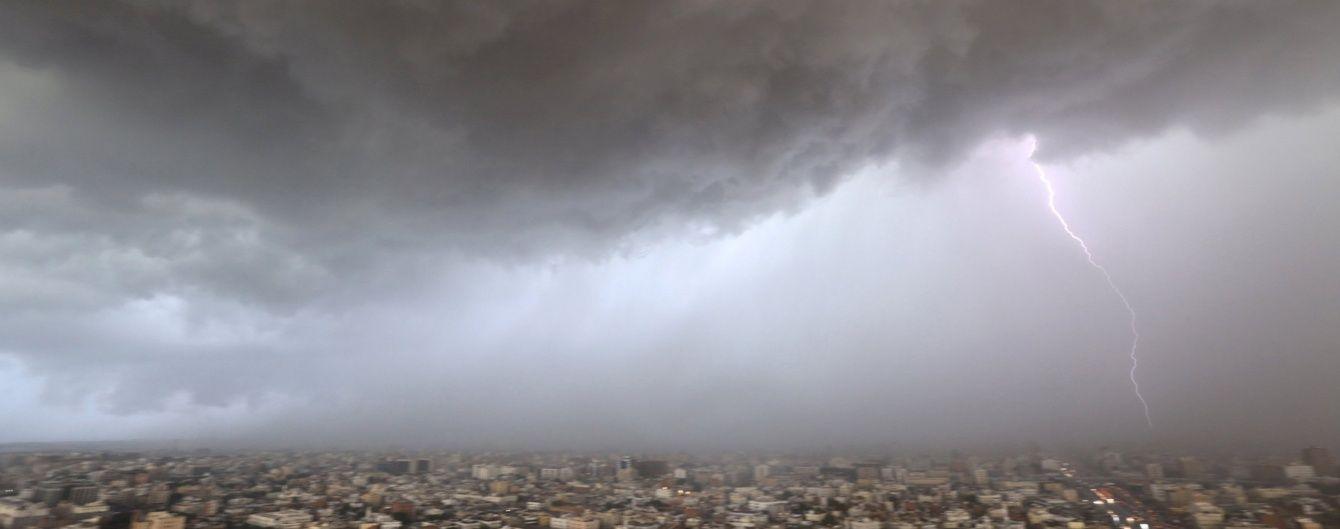 Науковці визначили аномальне місце на планеті, куди найчастіше б'ють блискавки