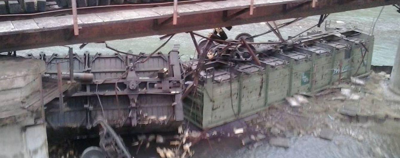 На Львівщині зійшов з рейок вантажний потяг із залізною рудою