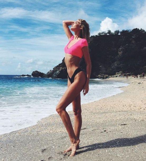 Instagram моделей: обнаженная Кэндис Свэйнпоул и семейное селфи Бьянки Балти