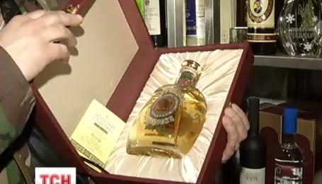 Колекційні пляшки Януковича опинилися у російського бізнесмена Євгена Чичваркіна